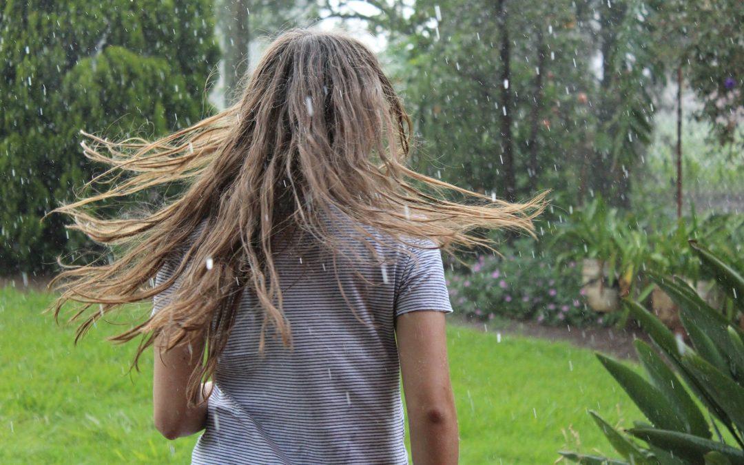 3 kapsels voor regenachtig weer (en een truc)