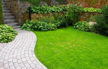 Zo heb jij heel het jaar een mooie tuin